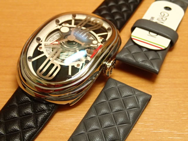 グリモルディ腕時計 G.T.O. 交換用バンドつき 腕時計 メンズ GRIMOLDI Gran Tipo Ovale SSSHBK612ST1962年~1964年にわずかに製造されたフェラーリ250GTOにオマージュした腕時計