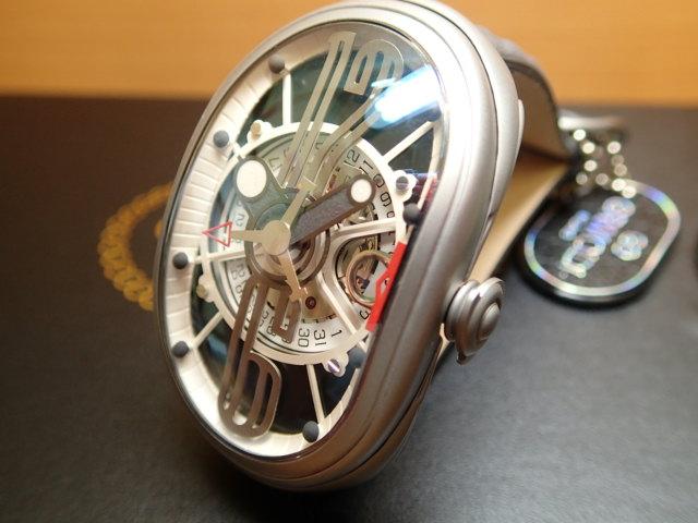 GRIMOLDI グリモルディ腕時計 G.T.O. 交換用バンドつき 腕時計 メンズ GRIMOLDI Gran Tipo Ovale SSMTBK612ST1962年~1964年にわずかに製造されたフェラーリ250GTOにオマージュした腕時計