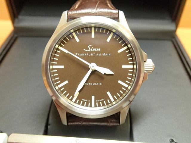 ジン 腕時計 SINN 556 BROWN LIMITED EDTION優美堂のジン腕時計はメーカー保証2年つきの正規輸入商品です