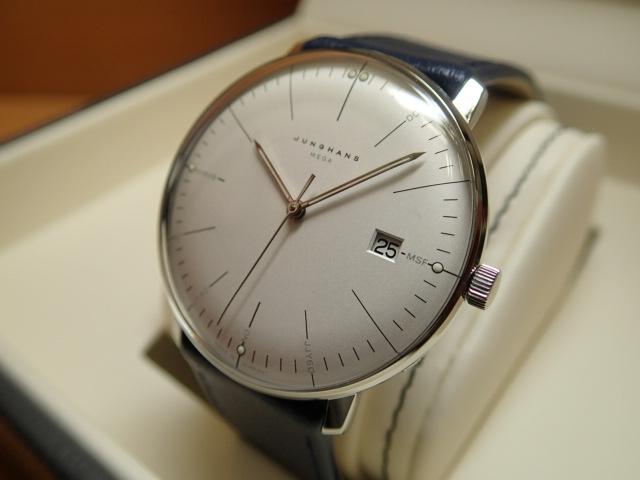 ユンハンス マックスビル バイユンハンス メガ 電波腕時計 max bill mega 38mm 058.4822.00 正規輸入商品