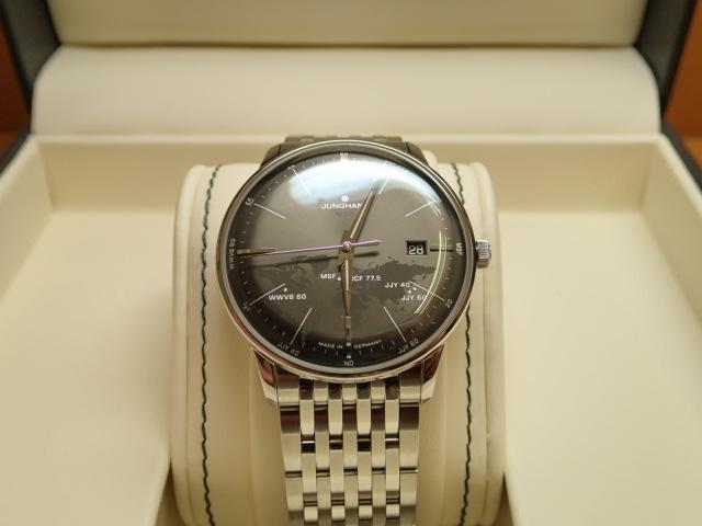 ユンハンス マックスビル バイユンハンス メガ 電波腕時計 max bill mega 38mm 058.4803.44 ステンレススチールブレスレット仕様 正規輸入商品
