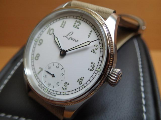 ラコ 腕時計 Laco ネイビー クックスハーフェン Cuxhaven 862104 42mm 手巻き式優美堂のLaco ラコ腕時計はメーカー保証2年つきの正規販売店商品です。