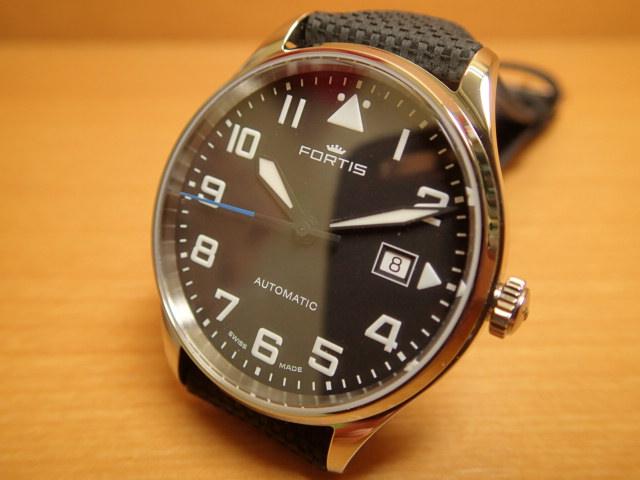 フォルティス パイロット クラシック デイト 腕時計 Pilot Classic Date 40mm Ref.902.20.41LP優美堂分割払いOKです