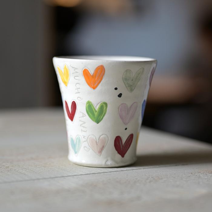 ラッピング無料 素敵なハートカップが食卓をオシャレにする 陶芸家:萬理さんのコップ 色絵Heartホワイトコップ 作家 吉岡萬理 市販 BY-311