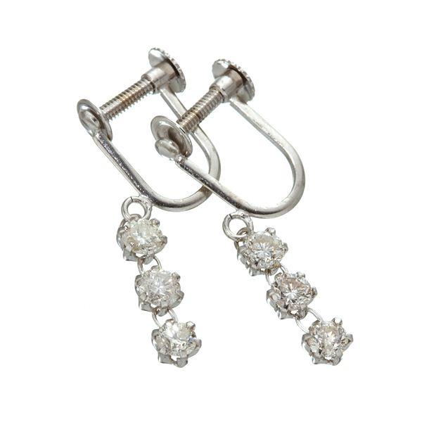ダイヤモンドイヤリング ホワイトゴールド 新作多数 今だけ限定15%OFFクーポン発行中 0.6ctダイヤモンド3ストーンイヤリング
