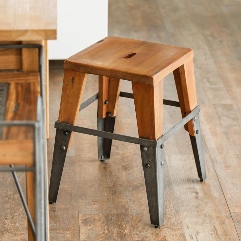 【 ラスティ 】アイアンとウッドのスツール(12920)【 スツール 木製 北欧 椅子 ヴィンテージ加工 イス ウッド 玄関 おしゃれ いす アンティーク調 チェア デザインスツール チェアー インテリア ミッドセンチュリー インダストリアル 西海岸 男前 塩系 】