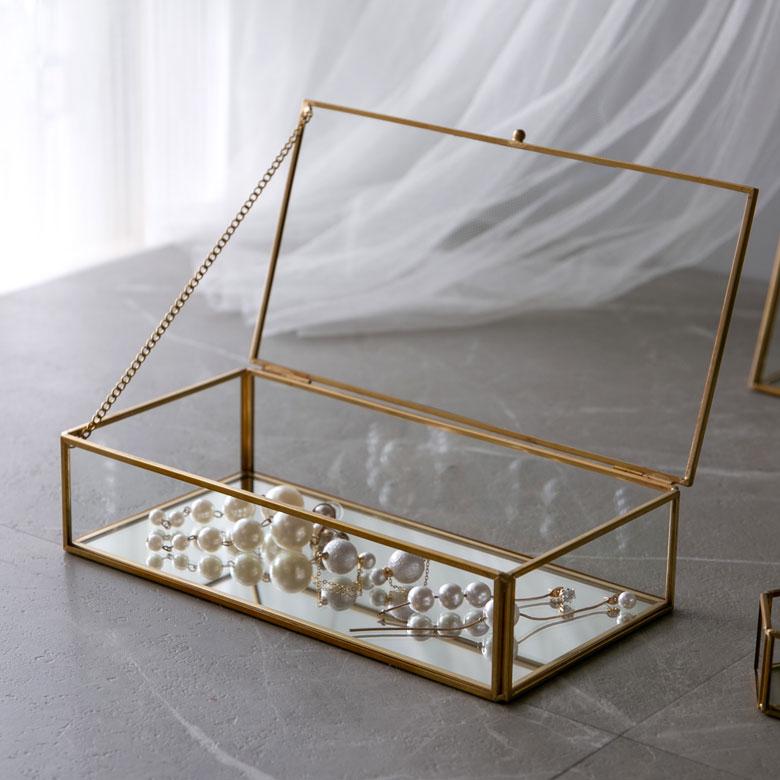 ディスプレイ アクセサリー入れ 新商品!新型 ガラスケース 四角 おしゃれ 小物入れ 小物収納 蓋つき ジュエリーボックス コレクション メイク ゴールド 鏡 インテリア 高級な 西海岸 韓国 63280 ミラー ガラスと真鍮でできた ガラスボックス 韓国インテリア 男前 アクセサリーケース 北欧 ディスプレイケース アンティーク