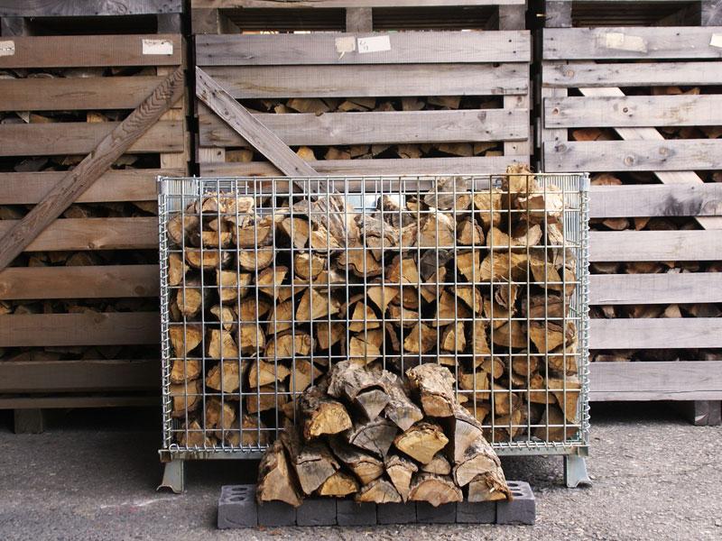 愛知県産 広葉樹 ナラ・クヌギの薪 40cm 約320kg 薪 丸太 薪ストーブ ストーブ 暖炉 乾燥 焚火 ピザ窯 着火剤 燃料