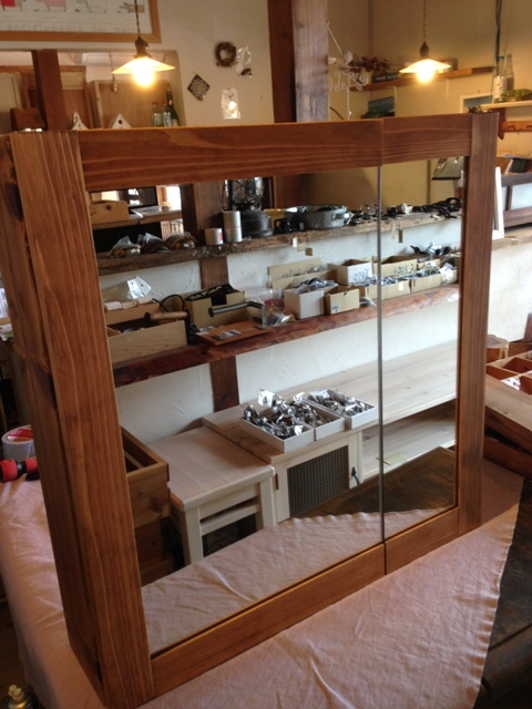 洗面収納棚・二枚合わせ鏡400:200☆ウォルナット色☆ミラーキャビネット