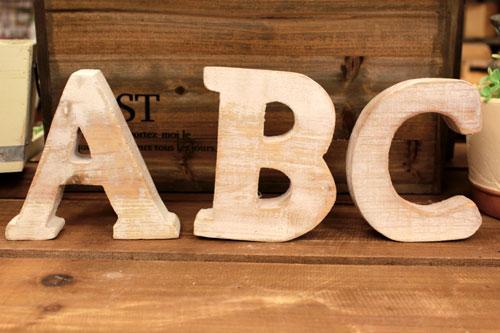 壁に掛ける 上等 置ける?木製アルファベット 好きなイニシャル文字を並べちゃえ ボリュームあり ウッドアルファベット Mサイズ O~Z 切り抜き文字 くりぬき文字 ホワイト WOOD アルファベットオブジェ 別倉庫からの配送 ナチュラル アルファベット置物 ウッデンレター 木製アルファベット 切り文字