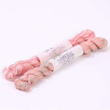 刺し子糸 手芸 信頼 裁縫 ハンドメイド 桜染ならではのやさしい色合いが特徴 桜染 いよいよ人気ブランド 草木染 材料 染 桜ピンク 自然染