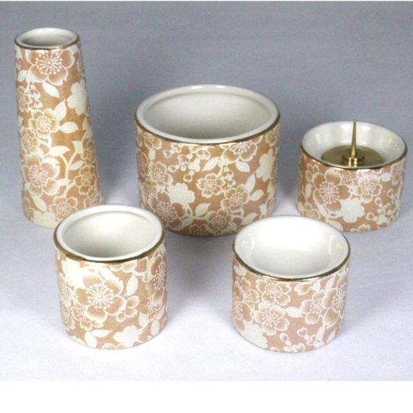 陶器モダン仏具5点セット ゆい花丸型香炉・湯呑・ローソク立・仏器・花瓶のセットです