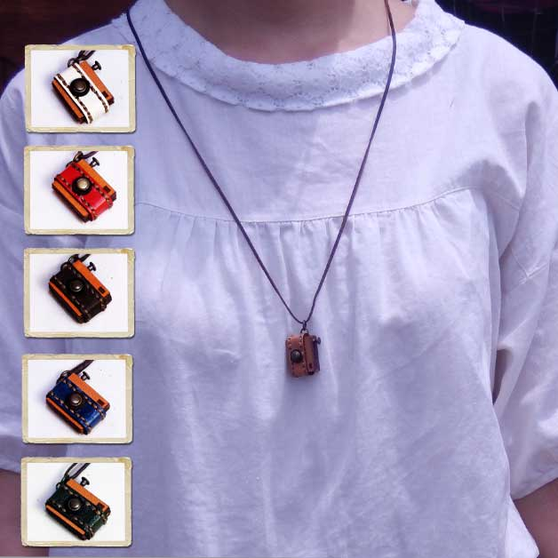 Product made in / Japan which lien/ accessory / Lady's / fashion  miscellaneous goods / miniature leather / camera necklace / cowhide /  genuine leather