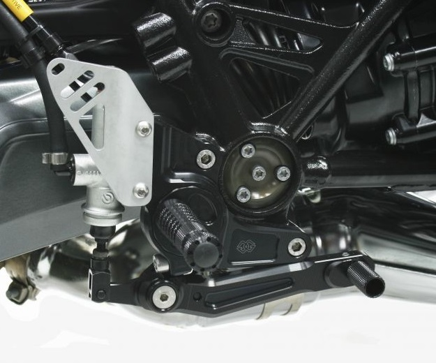 BMW R nineT(15~16年) 可変ステップキット RCT10GT ブラック/ブラック ギルズツーリング(GILLES TOOLING)