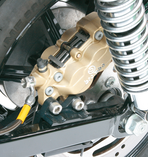 スポーツスターXL1200(04年) リアキャリパーサポート ブラック(brembo 40mm 左側用&STDローター径対応) ACTIVE(アクティブ)