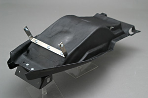 GSXR1300R 隼(99~03年) フェンダーレスキット FRP/黒 A-TECH(エーテック)