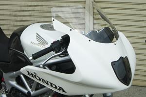 VTR250(97年~) ハーフカウル ライトスモークスクリーン付き FRP/黒 A-TECH(エーテック)