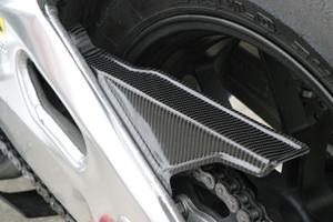 Aprilia RSV4(09年~) チェーンガード カーボンケプラ A-TECH(エーテック)