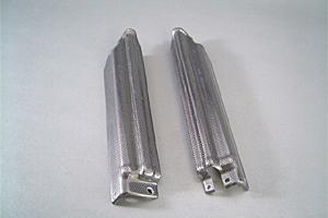 Dトラッカー(D-TRACKER)01~05年 フロントフォークガード左右セット FRP/白(FW) A-TECH(エーテック)