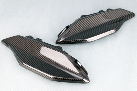 KATANA(刀)19年 開繊ドライカーボン 純正タイプ テールカウル クリア塗装済 A-TECH(エーテック)