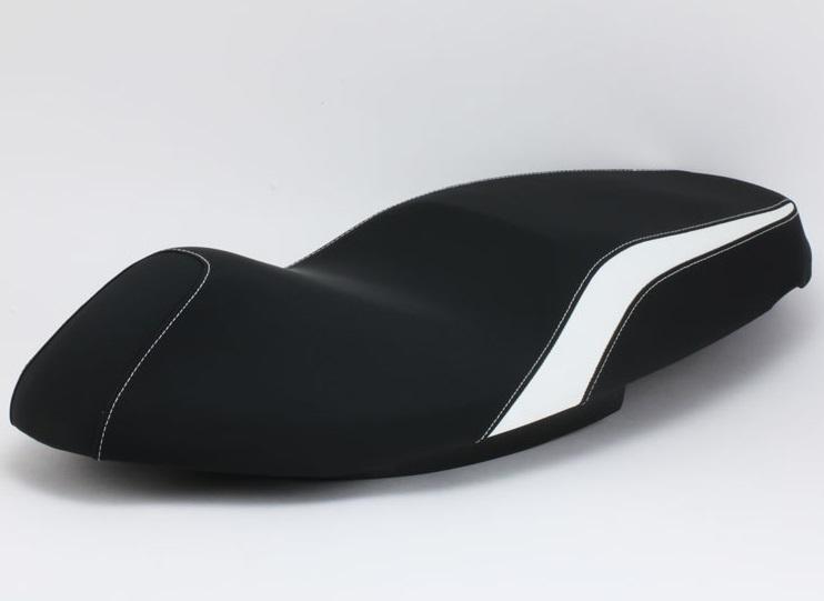 マジェスティS(MAJESTY)SG28J ブラック ホワイトライン カスタムシート DCR(ディーシーアール)