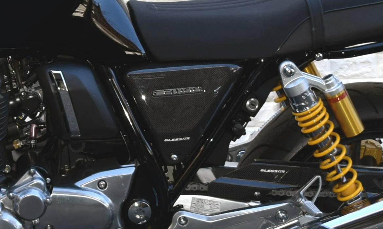 CB1100RS カーボン・サイドカバー左右(エンブレム対応タイプ) 光沢クリア塗装済み BLESS CREATION(ブレスクリエイション)