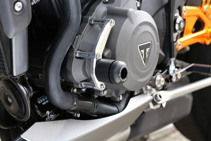 Triumph Street Triple 765 エンジンスライダー 左サイド BABYFACE(ベビーフェイス)