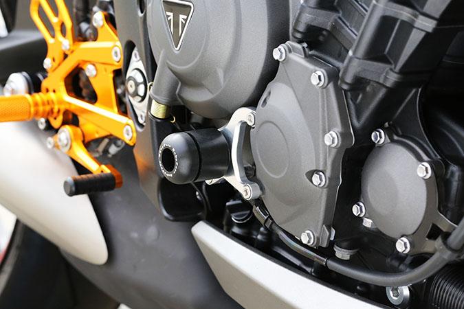 TRIUMPH DAYTONA675(13年~) R エンジンスライダー BABYFACE(ベビーフェイス):バイク用品・パーツのゼロカスタム