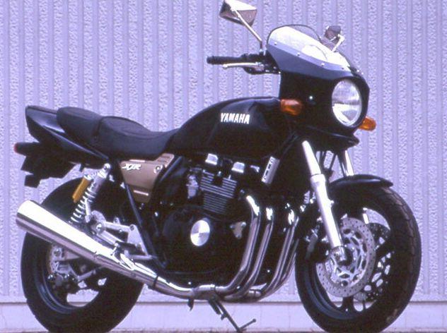 XJR400・S・R(93~97年) マスカロード スモークスクリーン ブルーイッシュブラック(00MW) 通常スクリーン CHIC DESIGN(シックデザイン)