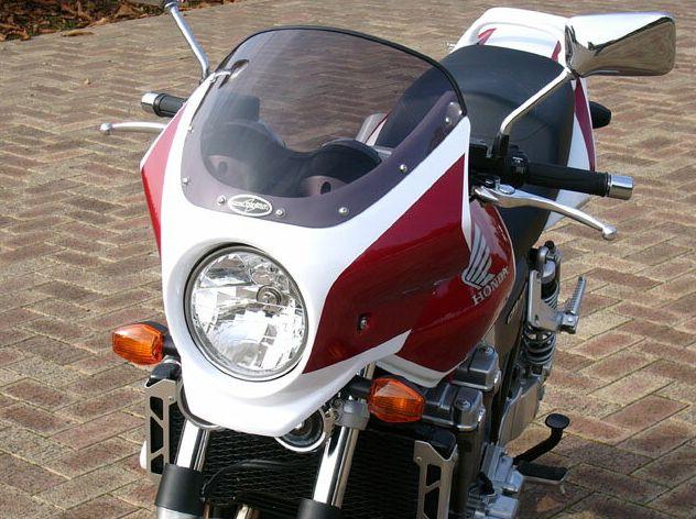 CB1300SF(13年) マスカロード スモークスクリーン パールサンビームホワイト/キャンディプロミネンスレッド(NH-A66P) 通常スクリーン シックデザイン