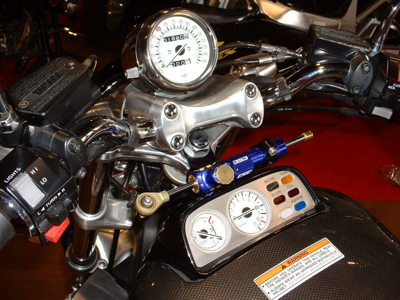 V-MAX1200(85~08年) CNCステアリングダンパーステー 75mm ブラック ハイパープロ(HYPER PRO)