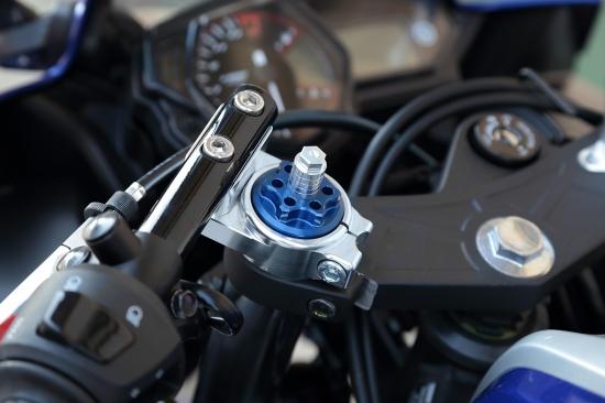 YZF-R25 フロントフォークトップキャップ ブルー K-FACTORY(ケイファクトリー)