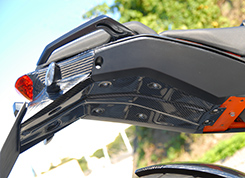 KTM 390DUKE シートインナー 平織りカーボン製 MAGICAL RACING(マジカルレーシング)