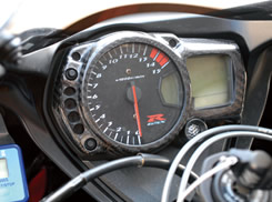 GSX-R1000(05~08年) メーターカバー 綾織りカーボン製 MAGICAL RACING(マジカルレーシング)