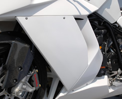 KTM 1190 RC8 サイドカウル(左右セット・Dリングカウルファスナー付)FRP製・黒 MAGICAL RACING(マジカルレーシング)
