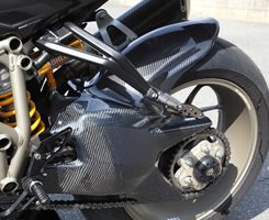 DUCATI Streetfighter リアフェンダー 平織りカーボン製 MAGICAL RACING(マジカルレーシング)