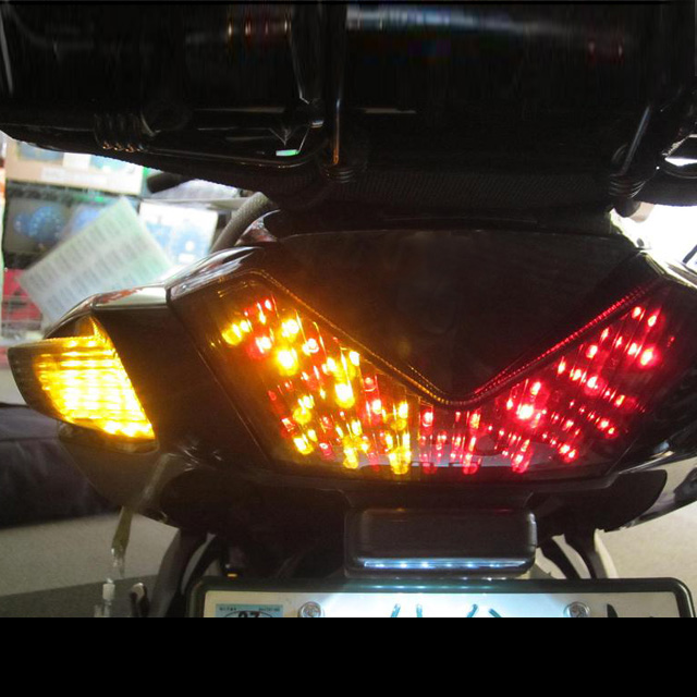 ZX-14R(06~16年) インテグレート・テールライト(ウィンカー内蔵式) ライトスモーク ODAX(オダックス)