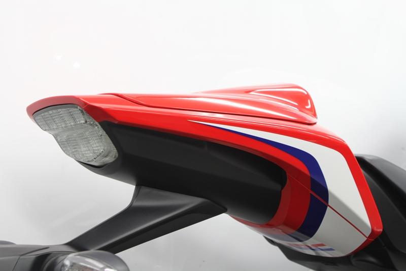 CBR1000RR(10年) シングルシートカウル ワークスタイプ(トリコロールレッド) TSR(テクニカルスポーツ)
