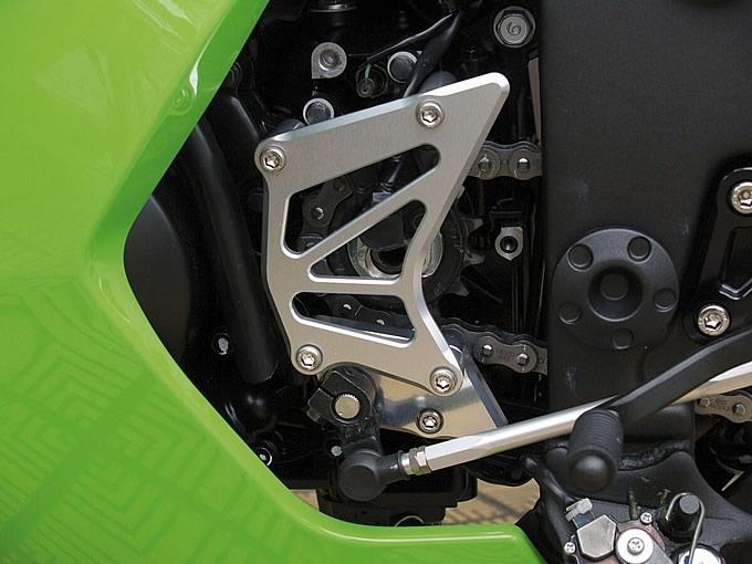 Ninja250R(08~12年) フロントスプロケットカバー(シルバー) woodstock(ウッドストック)