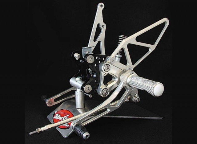 GSX-R1000(~04年) バックステップキット woodstock(ウッドストック)