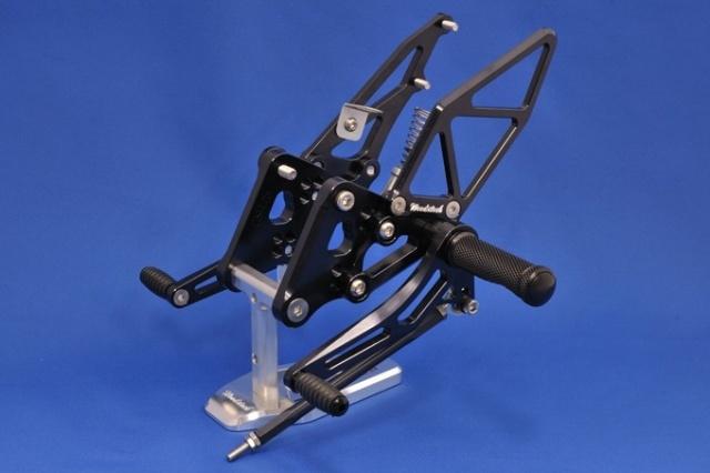 GSR750(11年~) バックステップキット・オールブラック woodstock(ウッドストック)