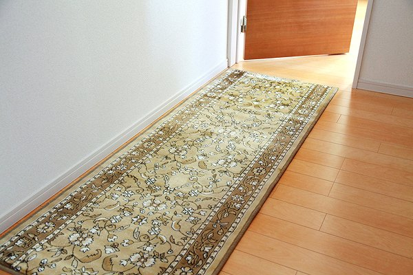 廊下敷 モケット織り 王朝柄 『オーク』 ベージュ 約67×700cm 滑りにくい加工