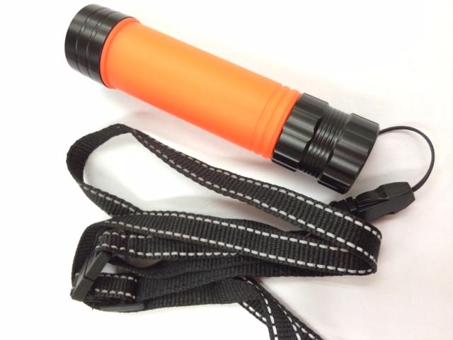 高い素材 合図灯 誘導灯 イベント パトロール ストラップ付で携帯便利 伸縮式 ◆高品質 シグナルLEDライト ミニ 反射ネックストラップ付