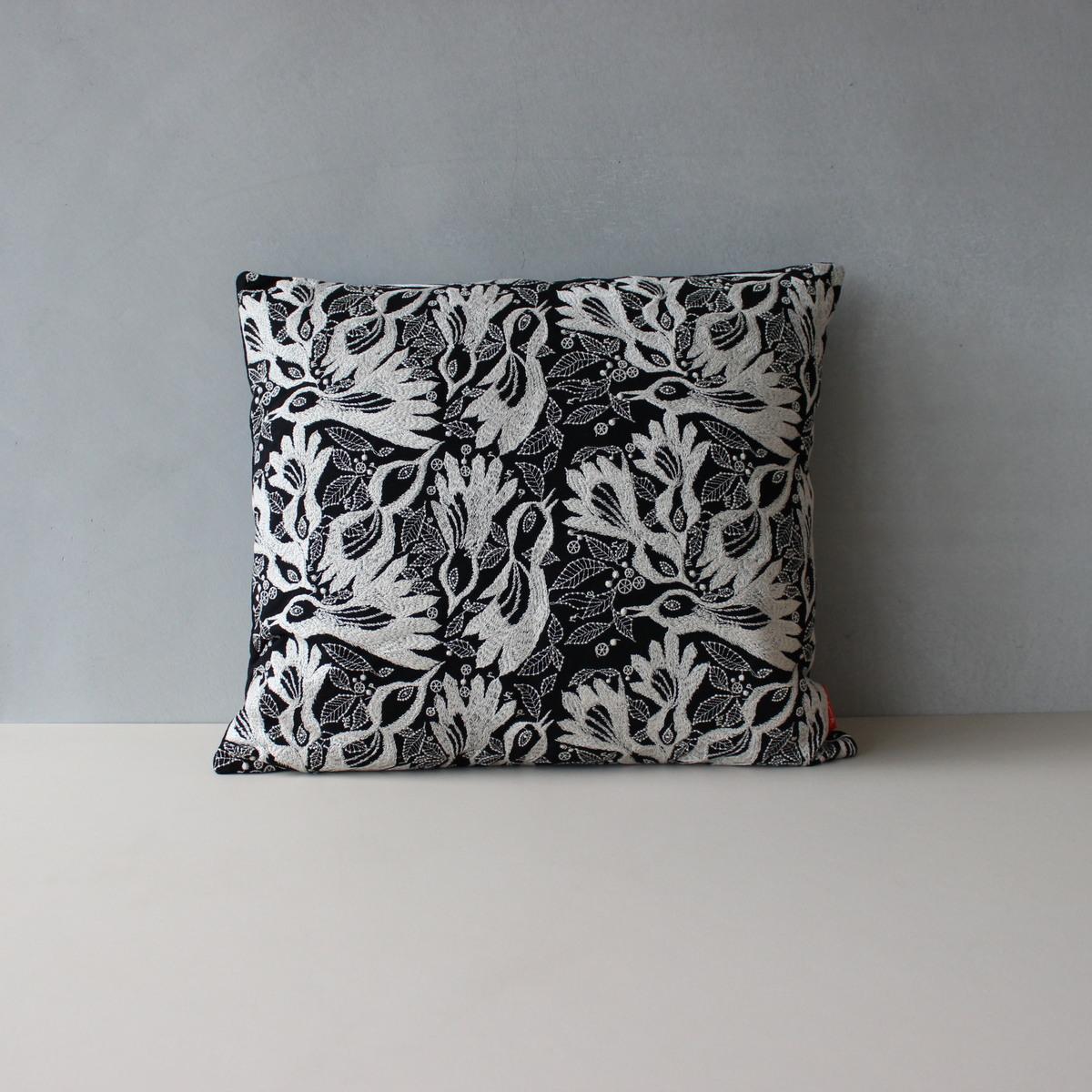 【送料無料】【Akira Minagawa Limited Edition Accessory Collection 2018】 Carnival cushion, 43×48cm 181(ブラック) クッション ミナペルホネン クヴァドラ 皆川明 日本限定30セット