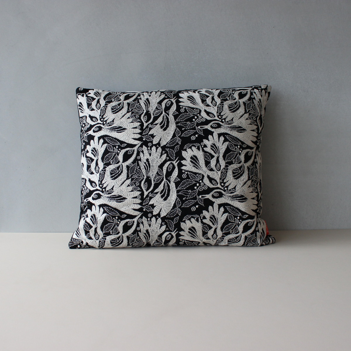 【Akira Minagawa Limited Edition Accessory Collection 2018】 Carnival cushion, 43×48cm 181(ブラック) クッション ミナペルホネン クヴァドラ 皆川明 日本限定30セット