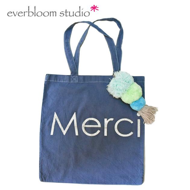 【STORY 雑誌掲載】≪everbloom studio≫ エバーブルーム・スタジオボンボン付き コットン トートバッグ ネイビー Tote Bag (navy merci)