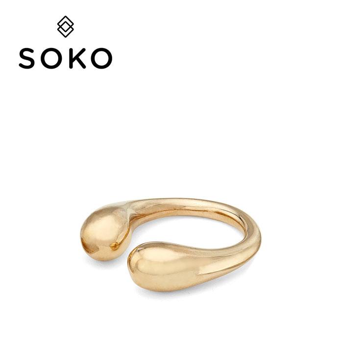【待望の最新作】≪SOKO≫ ソコティアドロップ ライン ゴールド C型 リング DASH RING (Gold)【レディース】